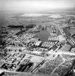 250px-Philadelphia_Naval_Shipyard