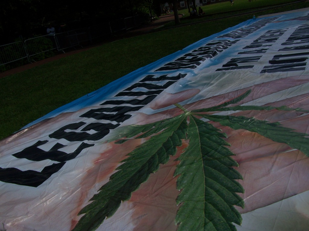 Big Pot Banner. Photo by Kenneth Lipp