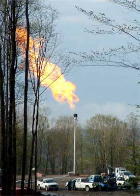 Flaring off of a well in north-central Pennsylvania after the completion of the hydraulic fracturing process. Photo: philadelphiafed.org